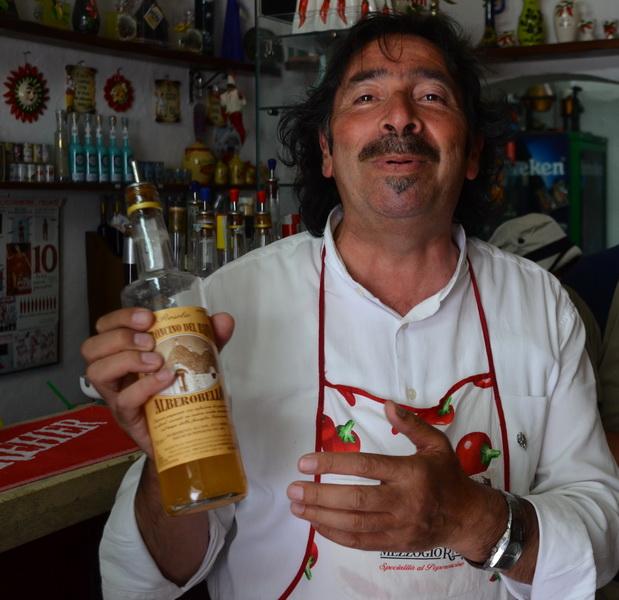 איש הפלפלים מ-אלברובלו, דרום איטליה