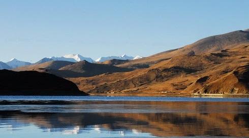 טיבט, אגם יאמדרוק – מחפשת מילים שלא מגזימות לתאר את היופי