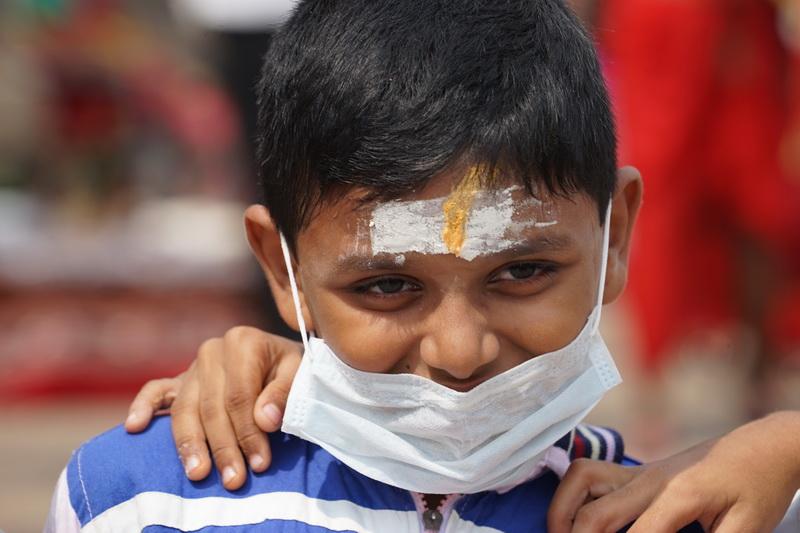 כשאין חיסון - אפשר לשים כיסוי לבן על הפנים...