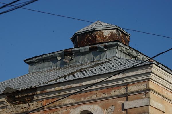 גג בית הכנסת בדובנו