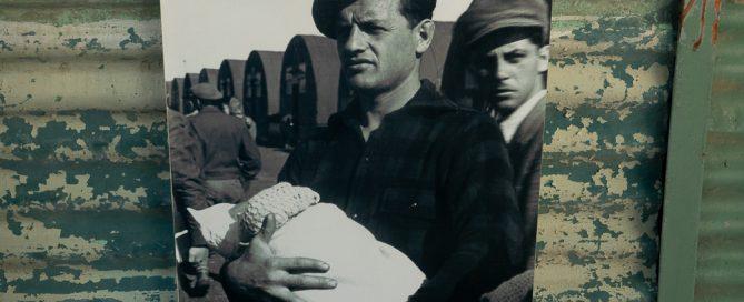 קפריסין – צילומים ממסע אישי אל מחנות המגורשים בקפריסין בעקבות אבי. יחזקאל זייגר.