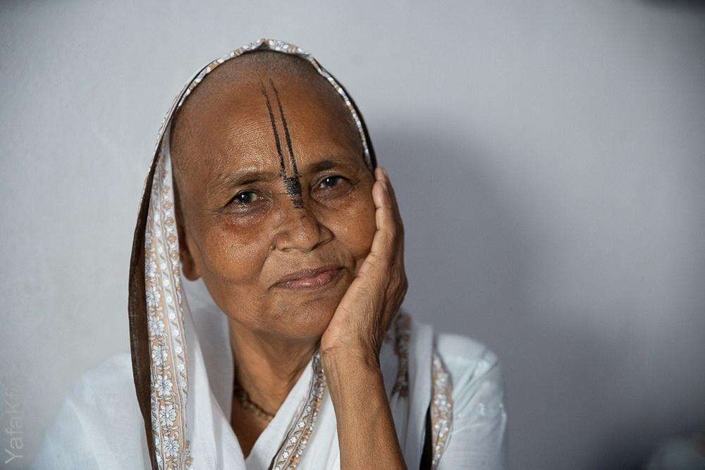 לצלם – למען מטרה, עם משמעות, לנתינה , להביא טוב, לאהוב. האלמנות של הודו ואני