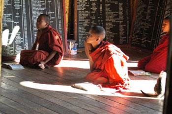 אינלה לייק – ילדים נזירים