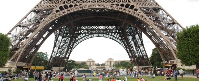 פריס: היופי, הענין:  להיבלע בעיר – וגם לזכור מנין באתי אל העיר הזו.